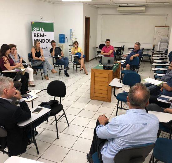 Acibalc sedia reunião do Fórum de Entidades de Balneário Camboriú