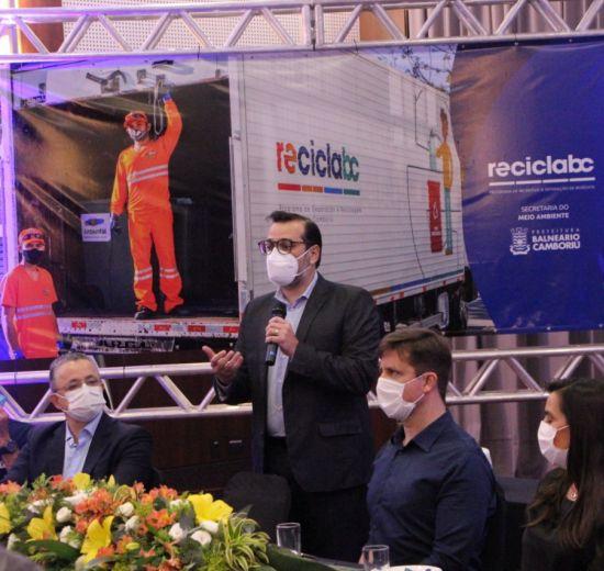 BC é a primeira cidade brasileira a receber o Selo Município Lixo Fora D'Água