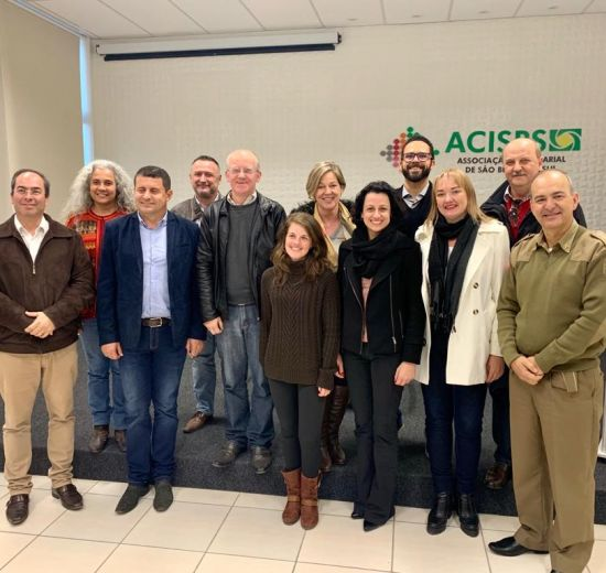 Diretora de Turismo da Facisc participa de reunião sobre consórcio Quiriri