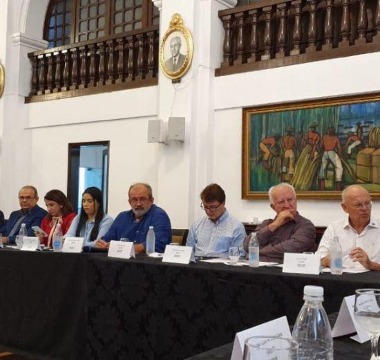 Em evento nacional, presidente da Facisc comenta nova Lei do Cadastro Positivo e enaltece as virtudes do associativismo