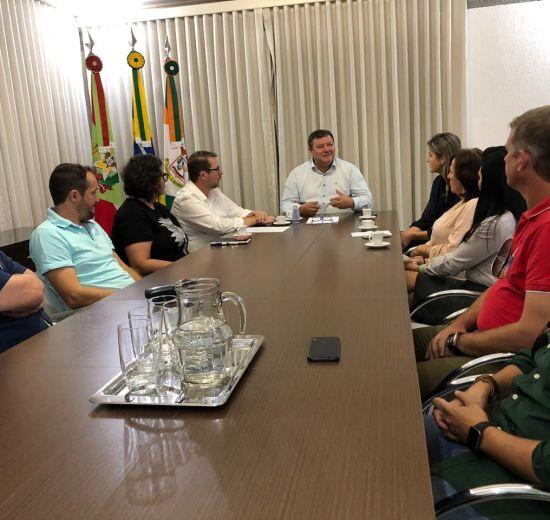Em reunião com prefeito Élcio, Núcleo de Empresários de Camboriú planeja ações de desenvolvimento econômico para o município