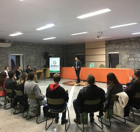 Empresários de Camboriú se reúnem em evento realizado pela Acibalc na Prefeitura