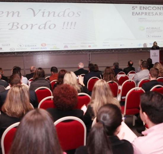 Encontro Empresarial da Acibalc discute como fazer a diferença para ampliar os negócios