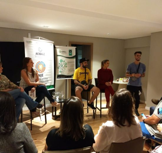 Especialista em marketing e influencers digitais realizam bate-papo sobre uso das mídias digitais nos negócios em Balneário Camb
