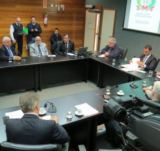 Facisc apresenta na Alesc preocupações do setor com a infraestrutura em SC