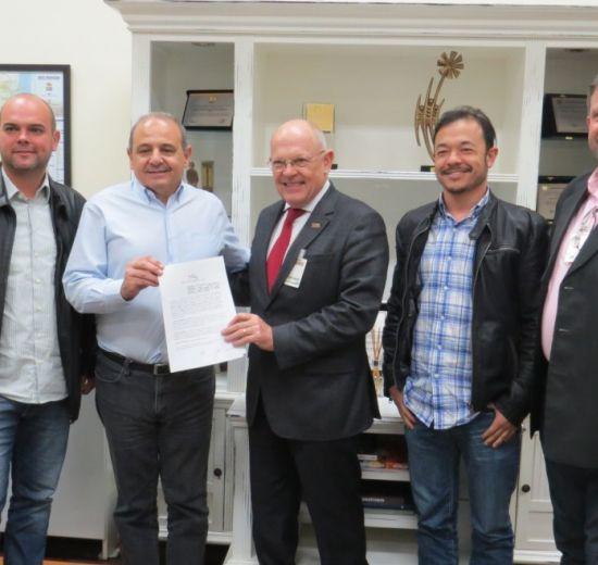 Facisc assina protocolo de intenções com Badesc e amplia rede colaborativa Al Invest