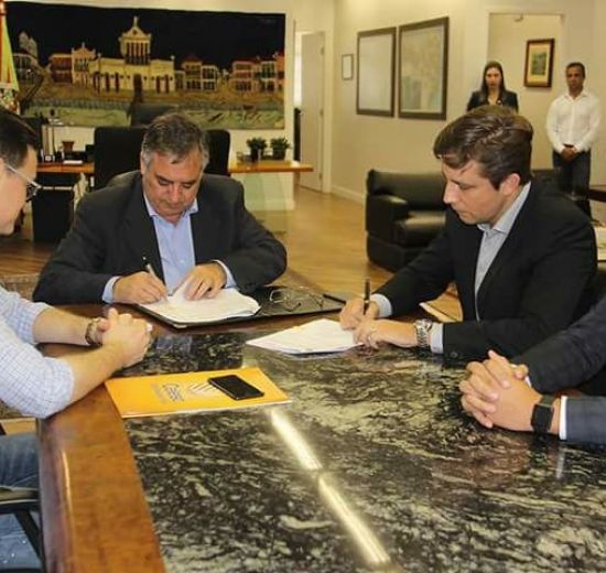 Governador autoriza obra de fiação subterrânea da Avenida Brasil