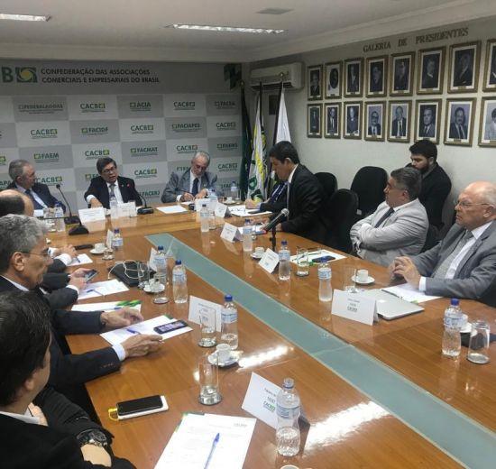 Jonny Zulauf reúne-se com diretores da CACB e presidente do Sebrae Nacional