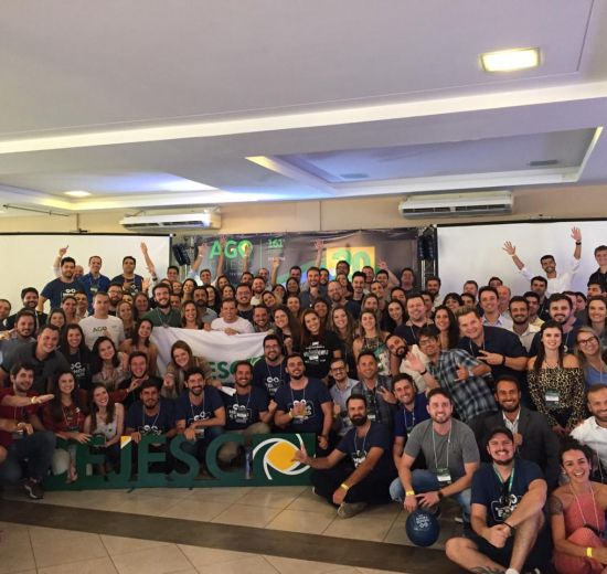 Jovens empreendedores celebram 20º aniversário do CEJESC