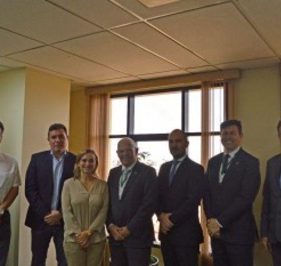 Lideranças da CAINCO e INFOCAL recebem presidente da Facisc na Bolívia