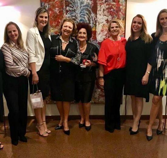 Maria Pissaia é homenageada em evento da ACIB Mulher em Blumenau