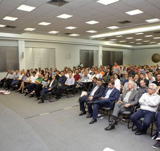 Movimento defende Brasil com mais liberdade econômica e conservador nos costumes