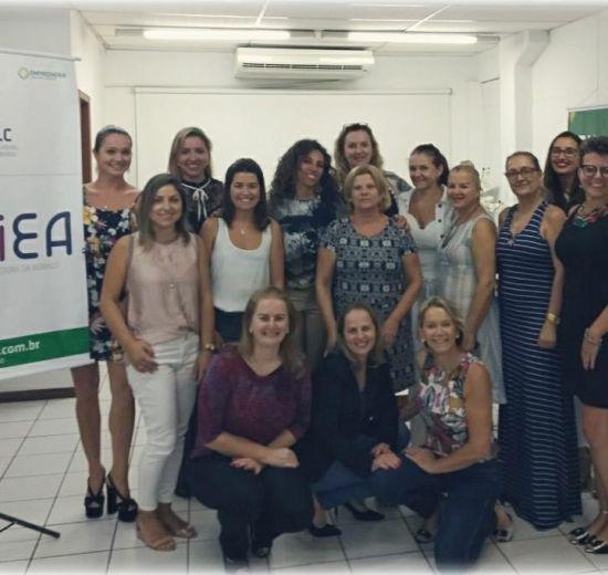 Mulheres empresárias de Balneário e da região participam de café de boas vindas na Acibalc