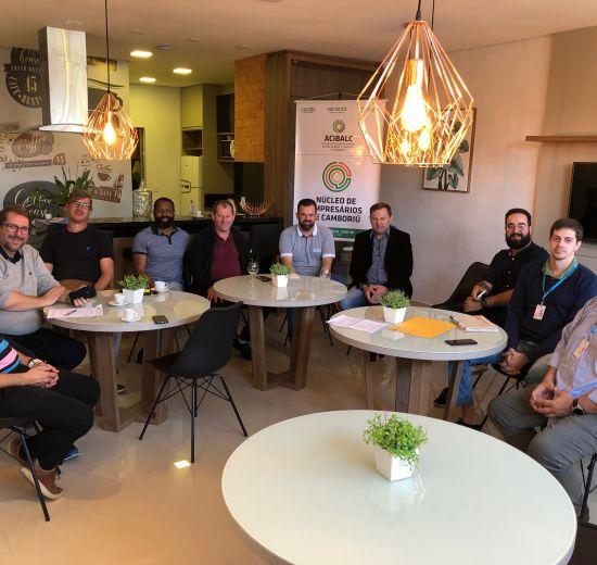 Núcleo de Empresários de Camboriú faz reunião com CELESC