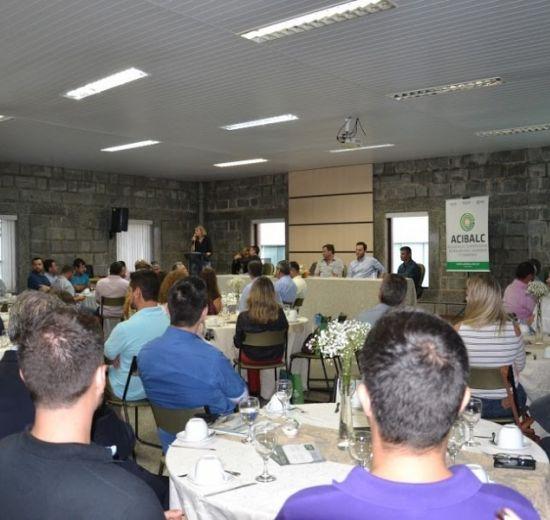 Núcleo de Empresários de Camboriú promove encontro com empreendedores do município
