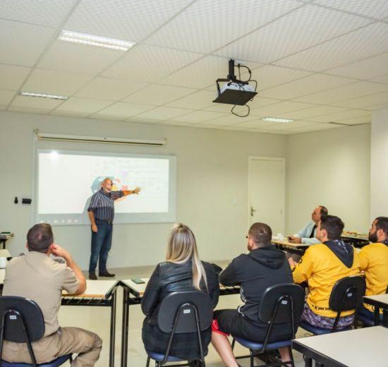Núcleo Empreender Social promove Planejamento Estratégico de Organização Social