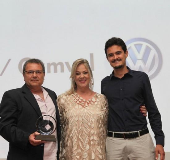 Prêmio Cambori destaca 30 empreendedores de sucesso em noite de homenagens