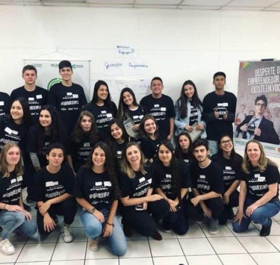 Programa Geração Empreendedora leva jovens de BC e Camboriú para dentro de empresas locais