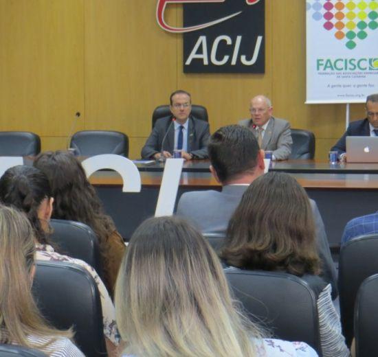 Reforma da Previdência, gestão jurídica e danos nas redes sociais em pauta na reunião do Comitê Jurídico FACISC