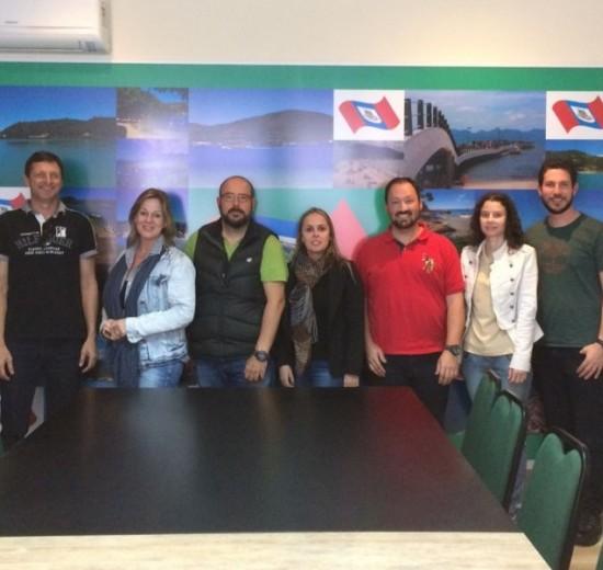 Representantes da Acibalc apresentam projeto do Eco Ponto em Porto Belo