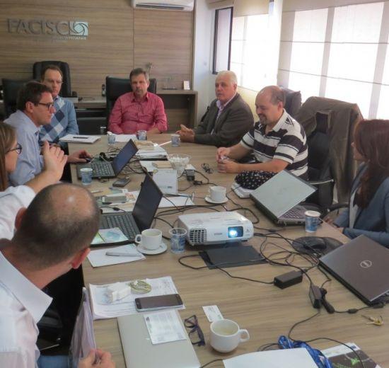 Representantes da Cainco, da Bolívia, conhecem resultados de projetos Al Invest na Facisc