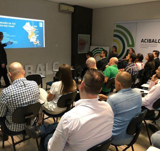 Reunião Plenária na Acibalc apresenta projeto de Sistema de Transporte Coletivo Regional movido a energia elétrica