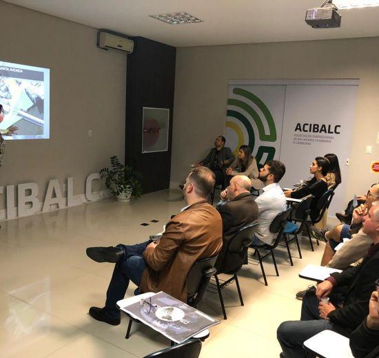 Secretária de Planejamento de BC é convidada da Acibalc em reunião plenária