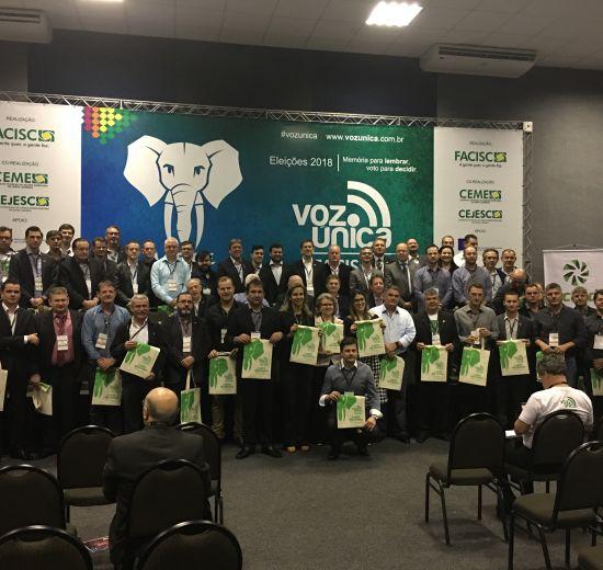 Presidente da Acibalc participa de reunião do conselho diretivo da Facisc em Joinville
