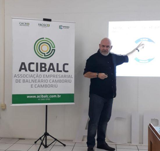 Workshop para implantação do MEG - Modelo de Excelência para a Gestão envolve colaboradores e diretoria da Acibalc
